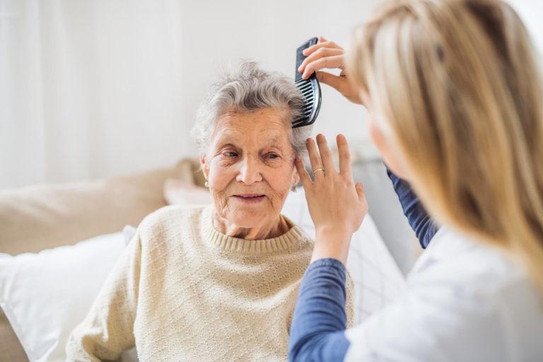 opieka nad seniorem z demencją