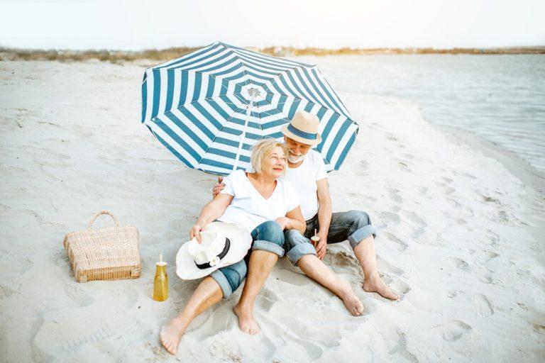 Opieka nad seniorem podczas upałów. O czym należy pamiętać?