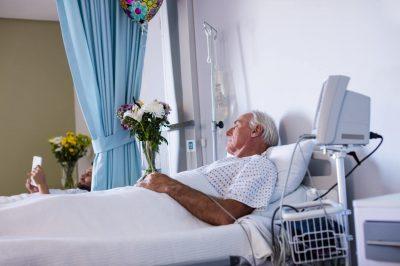 Rany przewlekłe u osób starszych - kiedy mogą się pojawić i jak im zapobiegać